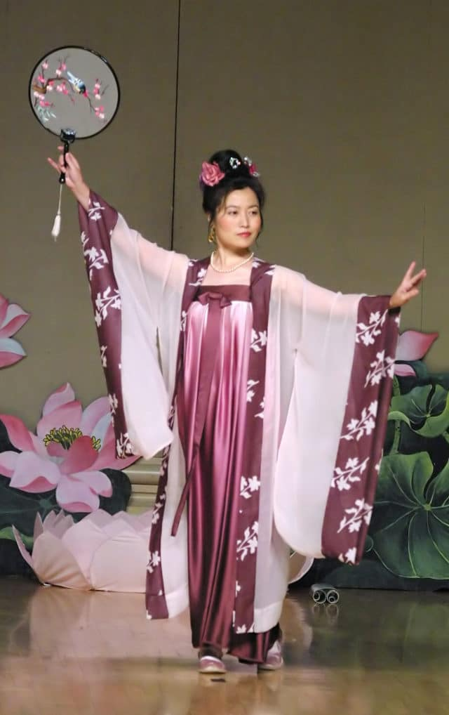 A Falun Gong practitioner performs a traditional Chinese dance from the Tang Dynasty.